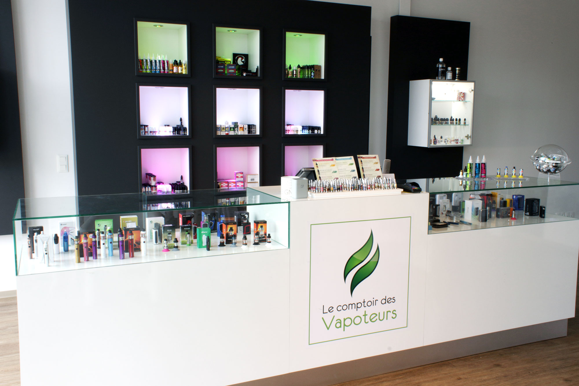 Magasin Poitiers Sud Comptoir des Vapoteurs Spécialiste E-cigarettes E-liquides DIY Poitiers Vienne 86 Castorama Auchan Sud